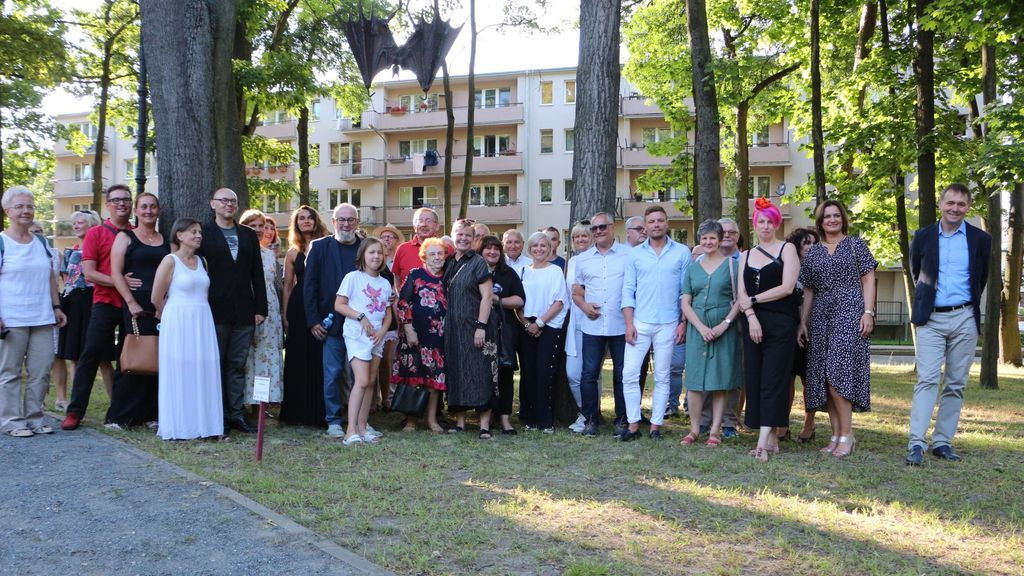 Inauguracja zadania Pionki - tożsamość, przed budynkiem MOK-u, 30.07.2021, foto Edyta Łabuszewska